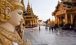 Shewdagon buddha