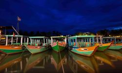 Boats lined up Hoi An