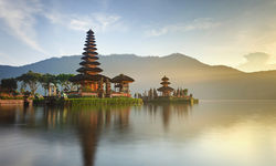 Puru Ulun Danua Bratan, Bali