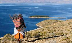 Bolivian woman by Lake Titicaca
