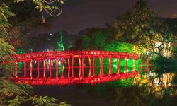 Hoan Kiem Bridge Hanoi