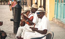 Cuban street musicinas
