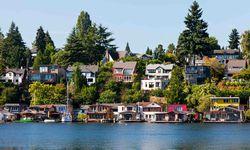 Houses overlooking Lake Washington