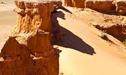 Gobi desert flaming cliffs