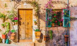 Doorway in Mallorca