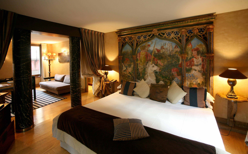 Cour des loges lyon luxury hotel france original travel for Hotel original france