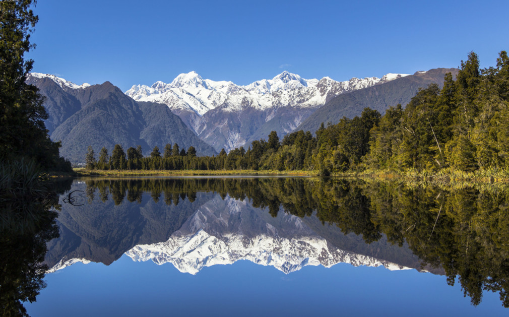 an overview of tourism in new zealand Discover new zealand with the help of our handy travel guide giving you all the  new zealand travelling information you'll need get an overview of the country.