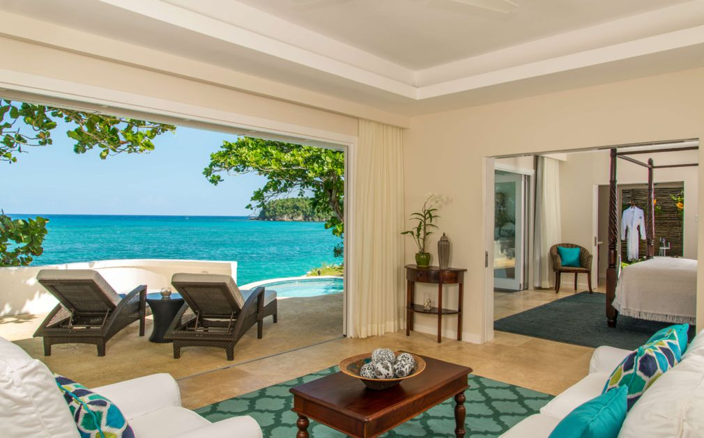 Jamaica inn luxury hotel jamaica original travel for Living room designs in jamaica
