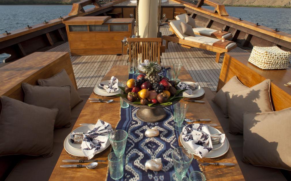 Si Datu Bua - Luxury Yacht Indonesia - Original Travel. Si Datu Bua Luxury Yacht Indonesia Original Travel & Captivating Indonesian Table Setting Images - Best Image Engine ...
