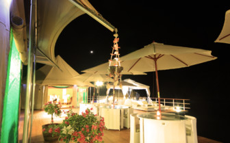 The restaurant at night at the hotel