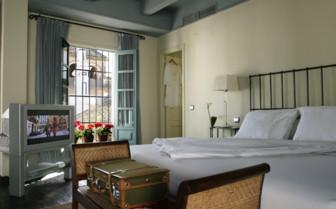 Bedroom at las Casas del Rey de Baeza, luxury hotel in Spain