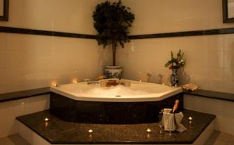 Picture of Villa Bathroom, Cousine Island