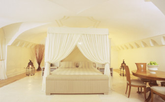 The grand suite at Mezzatorre Resort & Spa