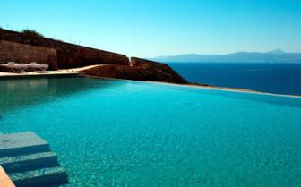 The swimming pool at Cap Rocat