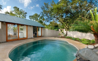 The pool at Nottens Bush Camp, luxury safari camp in South Africa