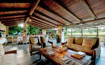 The lounge at Nottens Bush Camp, luxury safari camp in South Africa
