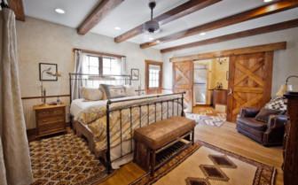 Large bedroom at Ranch at Rock Creek hotel