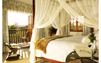 Luxury bedroom at  Jembisa, luxury hotel in South Africa