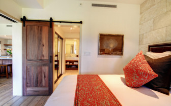 Large bedroom at Hotel Wailea