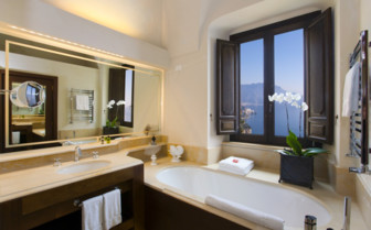 The luxury bathroom at Monastero Santa Rosa