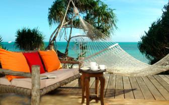 The terrace with hammock at Fumba Beach Lodge