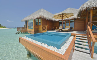 Lagoon Bungalow with private pool