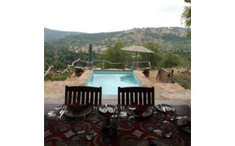 The pool with view at Baileys Banda
