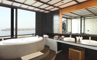 Suite bathroom with ocean view