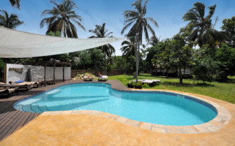 Picture of the swimming pool at Pole Pole hotel