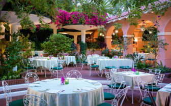 The polo lounge patio at Beverly Hills Hotel