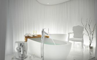 Bathtub at SLS Hotel Beverly Hills, luxury hotel in Los Angeles