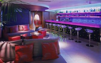 The bar at Hotel Adriana
