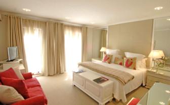 Large bedroom at Cellars- Hohenort hotel