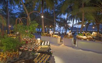 Picture of the Beach Buffet at Gili Lankanfushi