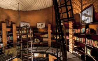 The library at Leobo Private Reserve, luxury safari camp in South Africa