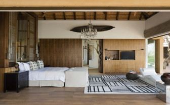 Bedroom at Molori Safari Lodge, luxury safari lodge in South Africa