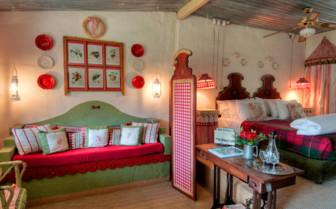 Bedroom at Cleopatra Mountain Farmhouse hotel