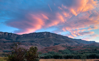Sunset at Cleopatra Mountain Farmhouse luxury hotel in South Africa