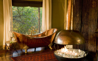 Bathtub at Zafara Camp, luxury camp in Botswana