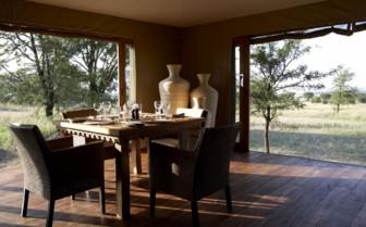 Romantic dining at Sayari Camp