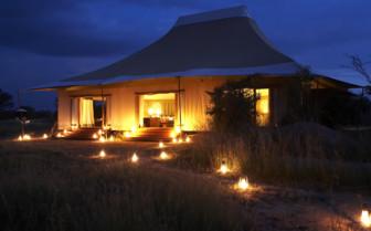 The Sayari Camp at night