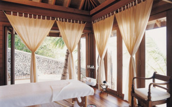 Spa at Cocoa Island, luxury hotel in the Maldives