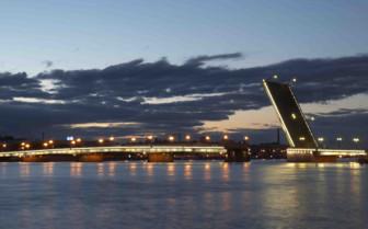 Bridge lifting over river