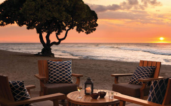Dining at the beach at Four Seasons Resort Hualalai