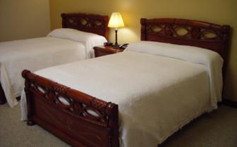 Twin Bedroom at Casa Aliso
