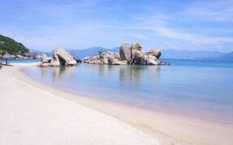 Empty Beach Nha Trang