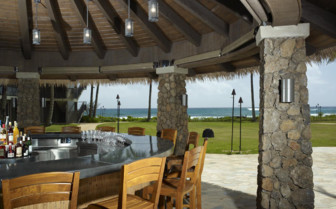The garden bar at Koa Kea, luxury hotel in Hawaii