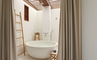 A Round Bath at Sala Samui