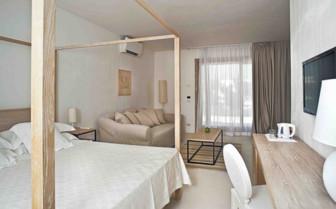 Modern Bedroom in Italy