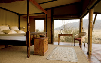 Double bedroom at Wolwedans Private Camp